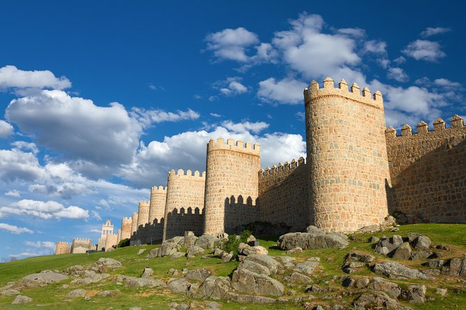 Segovia, Ávila, Escorial and Valley in two days from Madrid with Toledo included