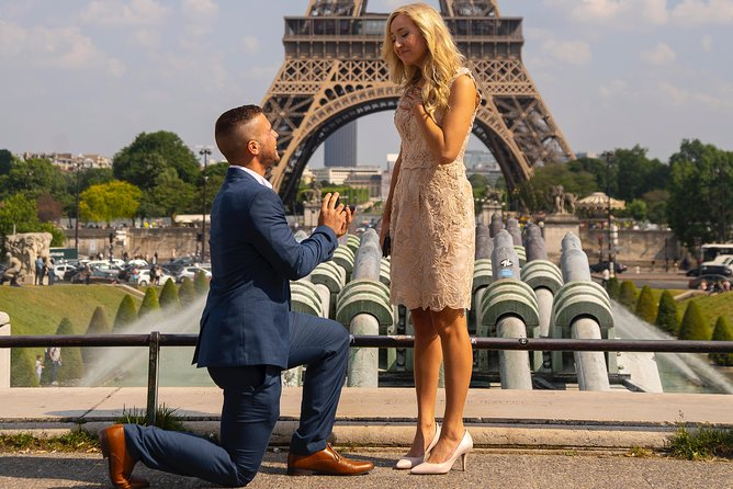 Proposal in Paris at the Eiffel Tower with Photoshoot & Video