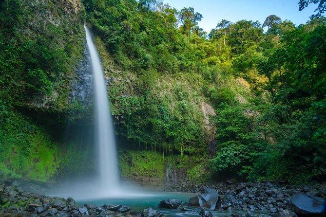 Combo La Fortuna Waterfall and Two Volcanoes