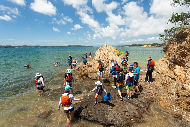 """Even kayaking beginners can breathe easy alongside our accompanying instructor! One and a half hours for a kayaking activity is the perfect amount of time for couples and families.  Let's set off and paddle toward the superb view of Ago Bay along the islands and the sea!"" photo 14"