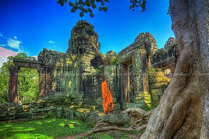 2-Day Tour to Angkor Wat with Small Circuit & Kulen Waterfall Mount photo 7
