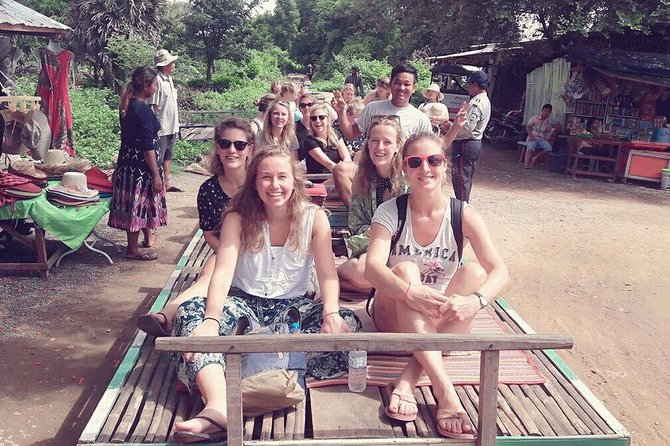 Full-Day Tuk Tuk Tour to Bamboo Train and Bat Caves with Local Food Tasting