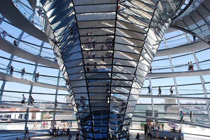 Government district, the Reichstag and the glass dome: a private tour