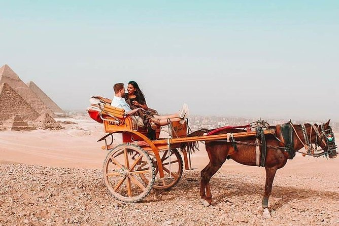 Half Day Tour to Giza pyramids by horse carriage photo 4