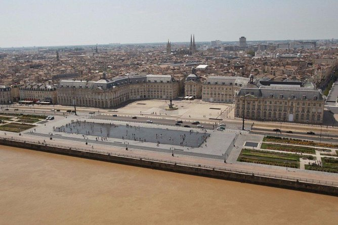 Bordeaux Private tour with a native guide