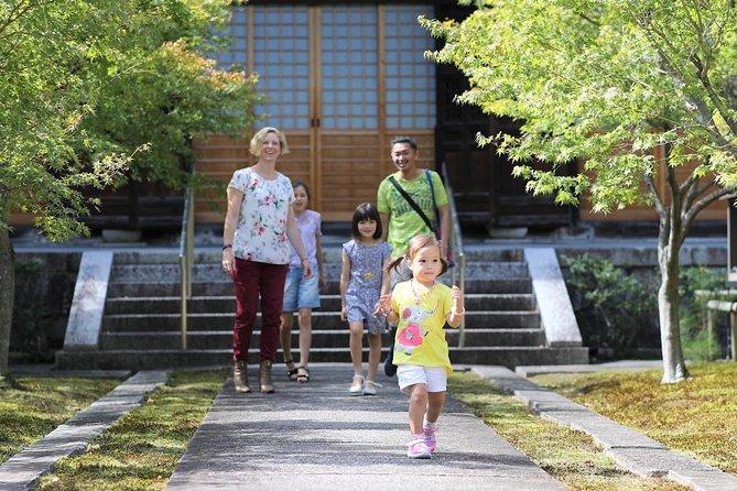 Seasonal family holiday tour