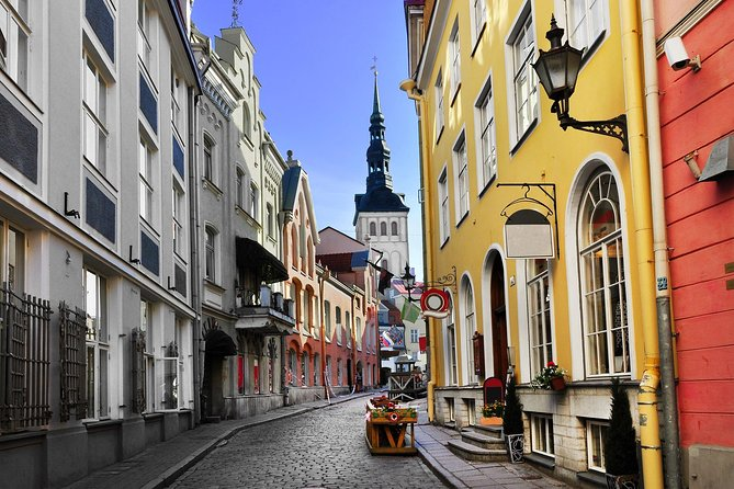 Private Shore Excursion: All-Highlights of Tallinn (Walking and Driving)