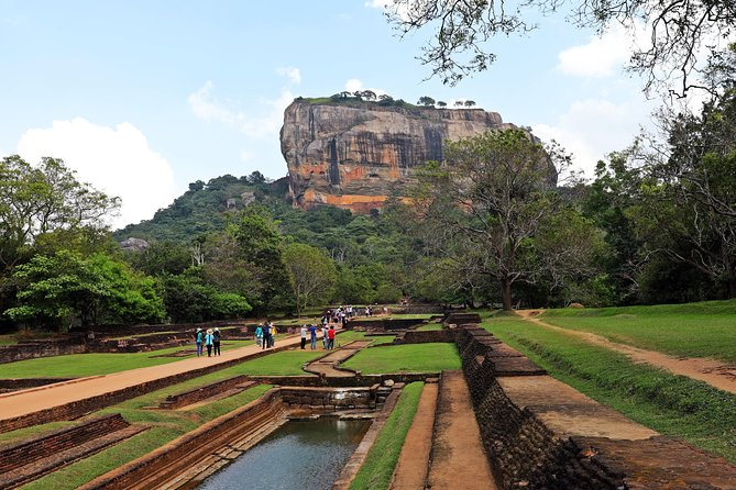 2 Days Private Tour to Explore Culture and Wildlife of Sri Lanka