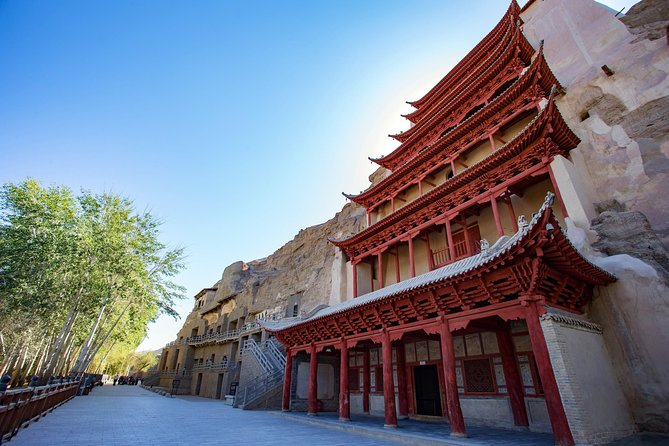 Tour to Mogao Caves with Exclusive guidance from Dunhuang research academy