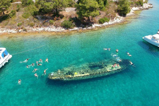 Islands Brač, Šolta & Blue lagoon - Private speedboat tour