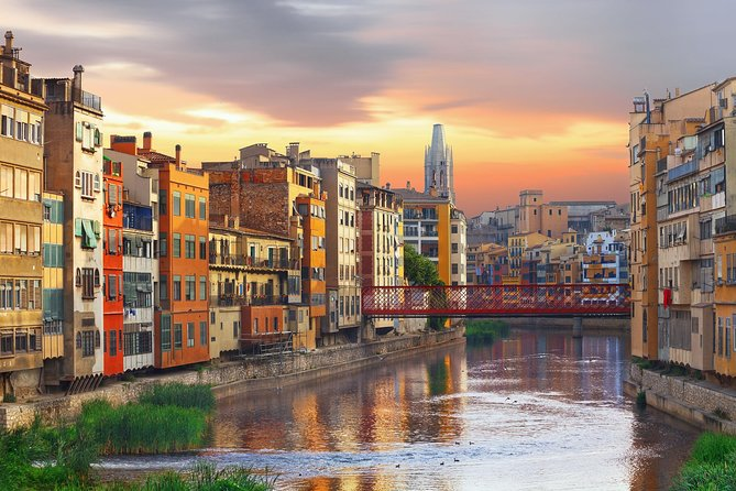 Girona and Sitges from Barcelona with professional guide