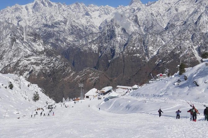 6 Day Private Skiing Course in Auli