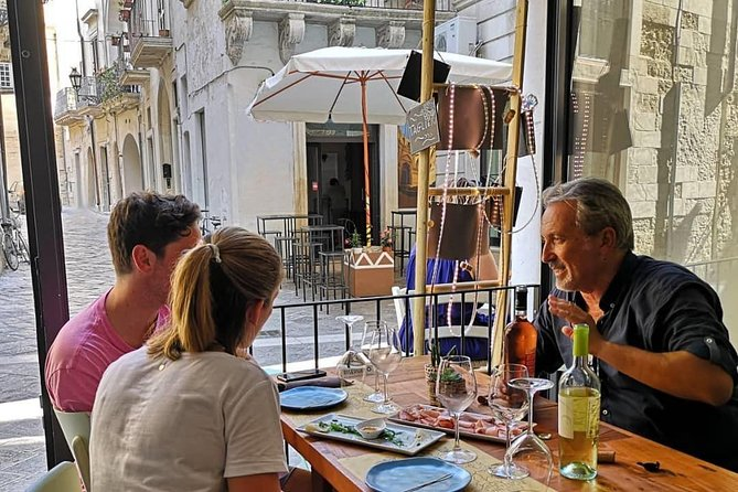 Wine and Food Tasting Experience in Lecce old town