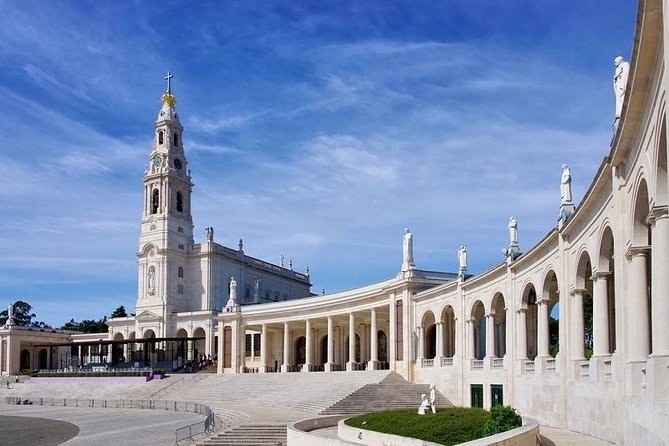 From Lisbon: Fátima Half-Day Private Tour & Hop-off Hop-On BUS and BOAT