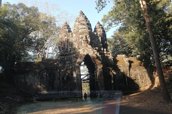 Cambodia Sightseeing Tour - Banteay Srey Temple and Beongmealea Temple