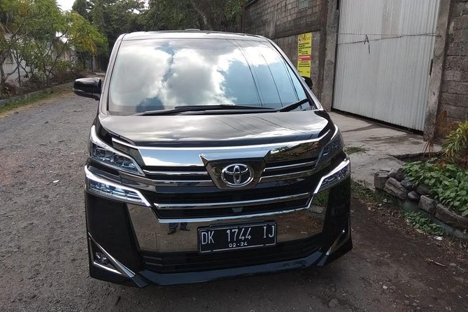 Enjoy A Private Day Tours-With Toyota Alphard