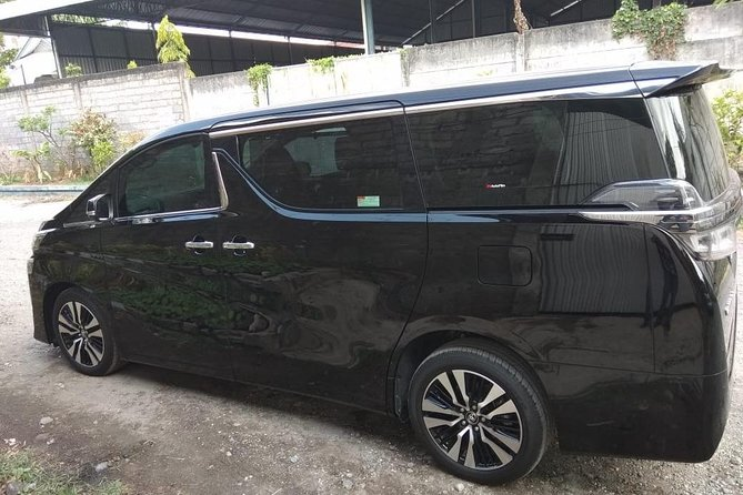 Rent Toyota Alphard With A Driver In Bali