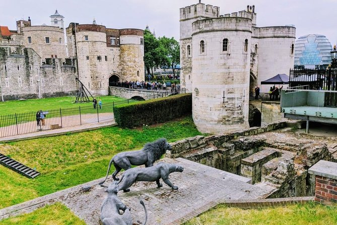 Tower of London Ticket & Private Audio Tour on Mobile App