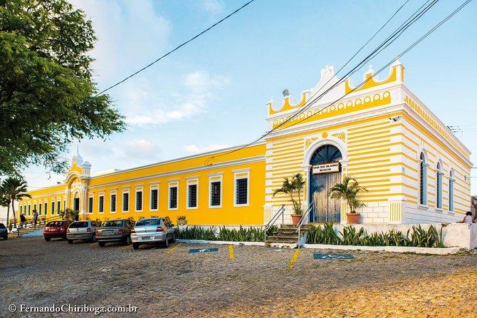 City Tour with Cashew Tree + Elbow Beach by Marazul Receptivo