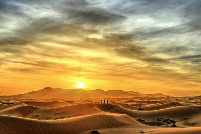 Enjoy the Mesmerizing Sunrise Desert Safari in Dubai