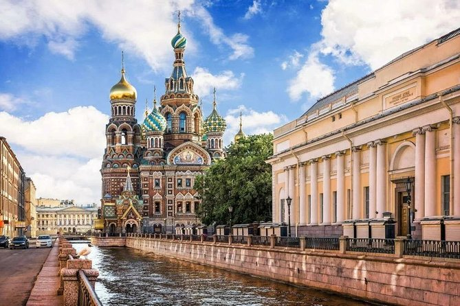 Private guide for an individually planned tour in St. Petersburg