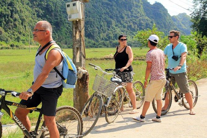 Halong Lan Ha bay 3D/2N Cruise trip: kayaking, swimming, biking, fishing & meals