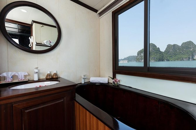 Santa Maria Cruise 4 star Halong Bay photo 9