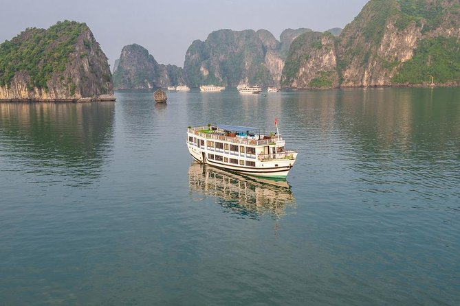 Santa Maria Cruise 4 star Halong Bay photo 8