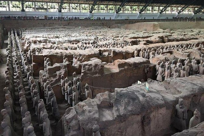 Xi'an Private Tour: Terracotta Warriors and Horses, City Wall and Muslim Quarter