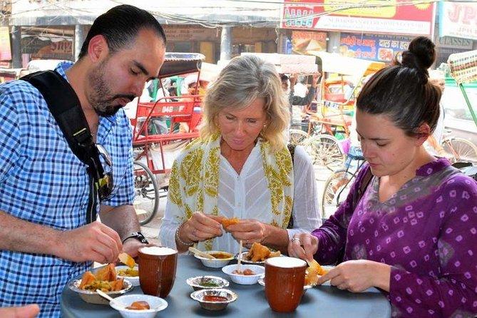 Visite à pied de la nourriture en petit groupe à Mathura avec balade en pousse-pousse