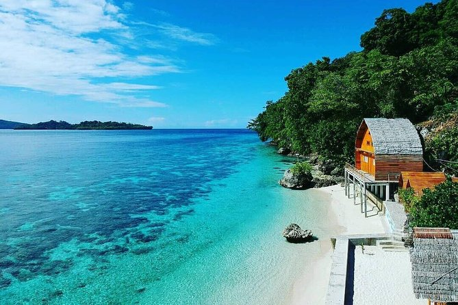 3 Days Ambon Tour: Natsepa Beach, Giant Eels Village, Pulau Tiga & City Tour