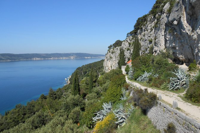 12 Churches Trail in Marjan Forest park