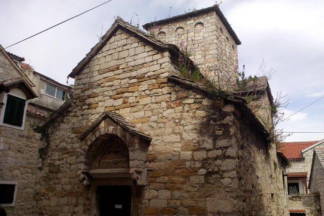 12 Churches Trail in Marjan Forest park