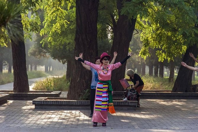 Beijing Private Tour: Lama Temple, Hutong Tour and Tai Chi Lesson with Lunch