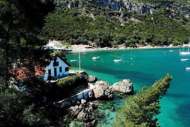 From Lisbon:Sesimbra and Arrabida Natural Park & Hop-off Hop-On Boat