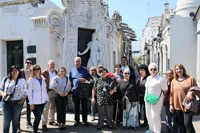 Stories and personalities in the Recoleta Cemetery Tour