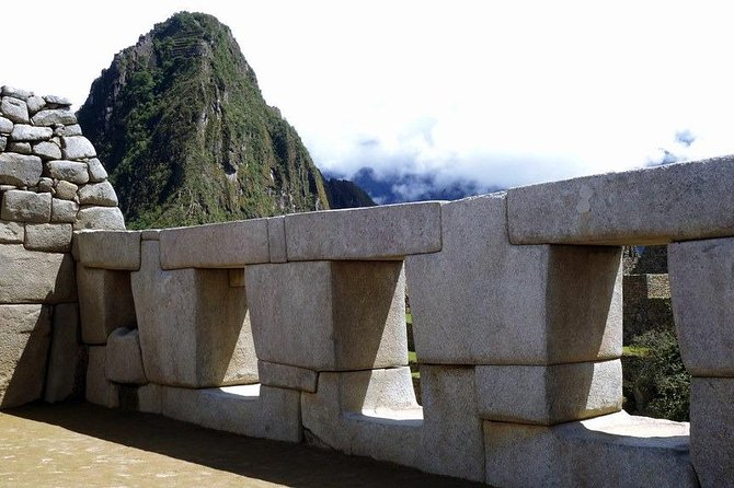 Sacred Valley Vip - Connection to Machupicchu 2D 1N