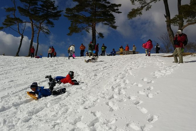 Snow mountain hiking to enjoy with family! Ice cream making snowshoe