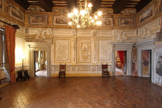 Todi Pongelli Palace with a private guide