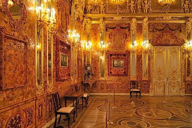 Visit to Catherine's palace with the amber room