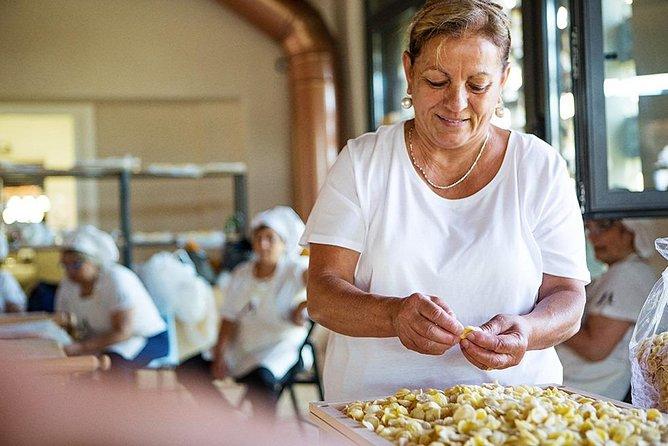 Prepare and taste the orecchiette + Tour of Bari Vecchia