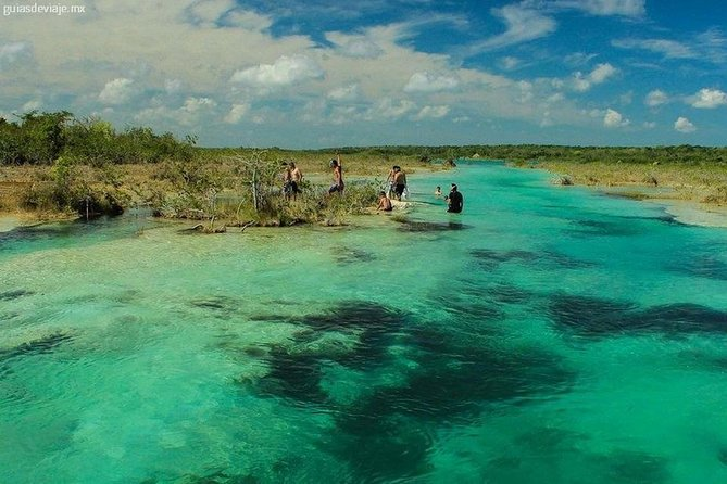 Tour Bacalar - Lagoon of the Seven Colors