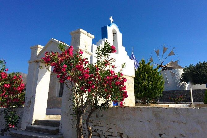 City walk, photo walk tour of Naoussa, traditional harbour village of Paros