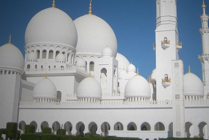 Half Day Abu Dhabi City Tour -Heritage Village-Gold Souk and Dates Market & More photo 2