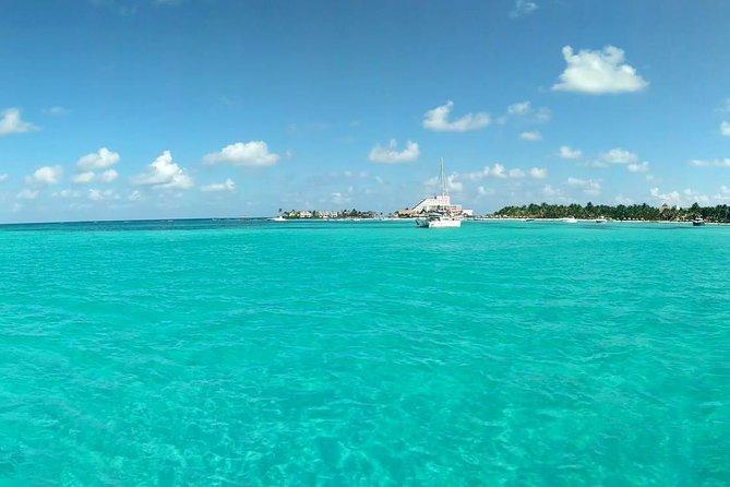 Isla Mujeres walking tour for Beach & Sun lovers!