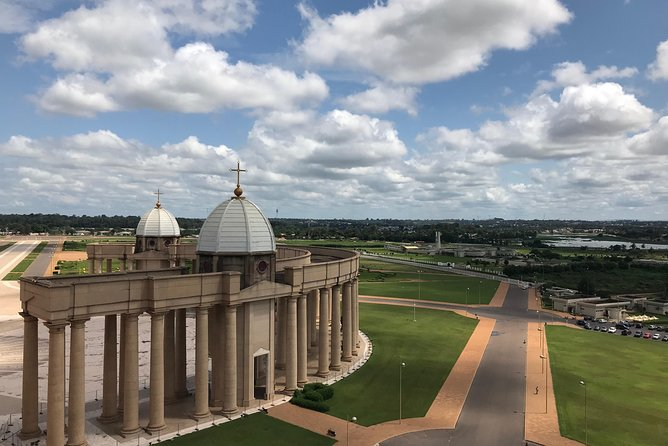 1.5-Hours Basilica and Yamoussoukro Tour with English Guide