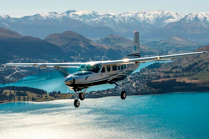 Milford Sound Coach and Nature Cruise from Queenstown with Flyback