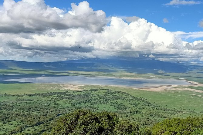 2 Days Ngorongoro Crater & Lake Manyara Luxury Safari