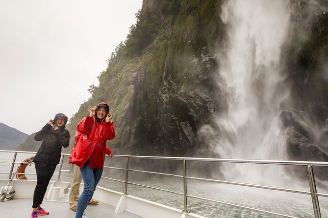 Milford Sound Nature Cruise photo 4