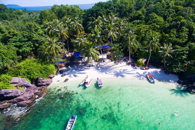 Discover The Appealing Beauty of Phu Quoc Island for Day and Night on Boat